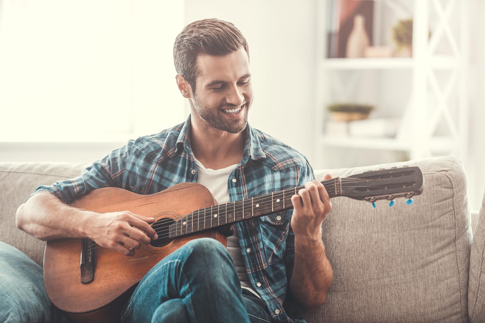 Easy Beginner Guitar Songs | 5 Easy Beginner Guitar Songs That Will Make You A Rockstar