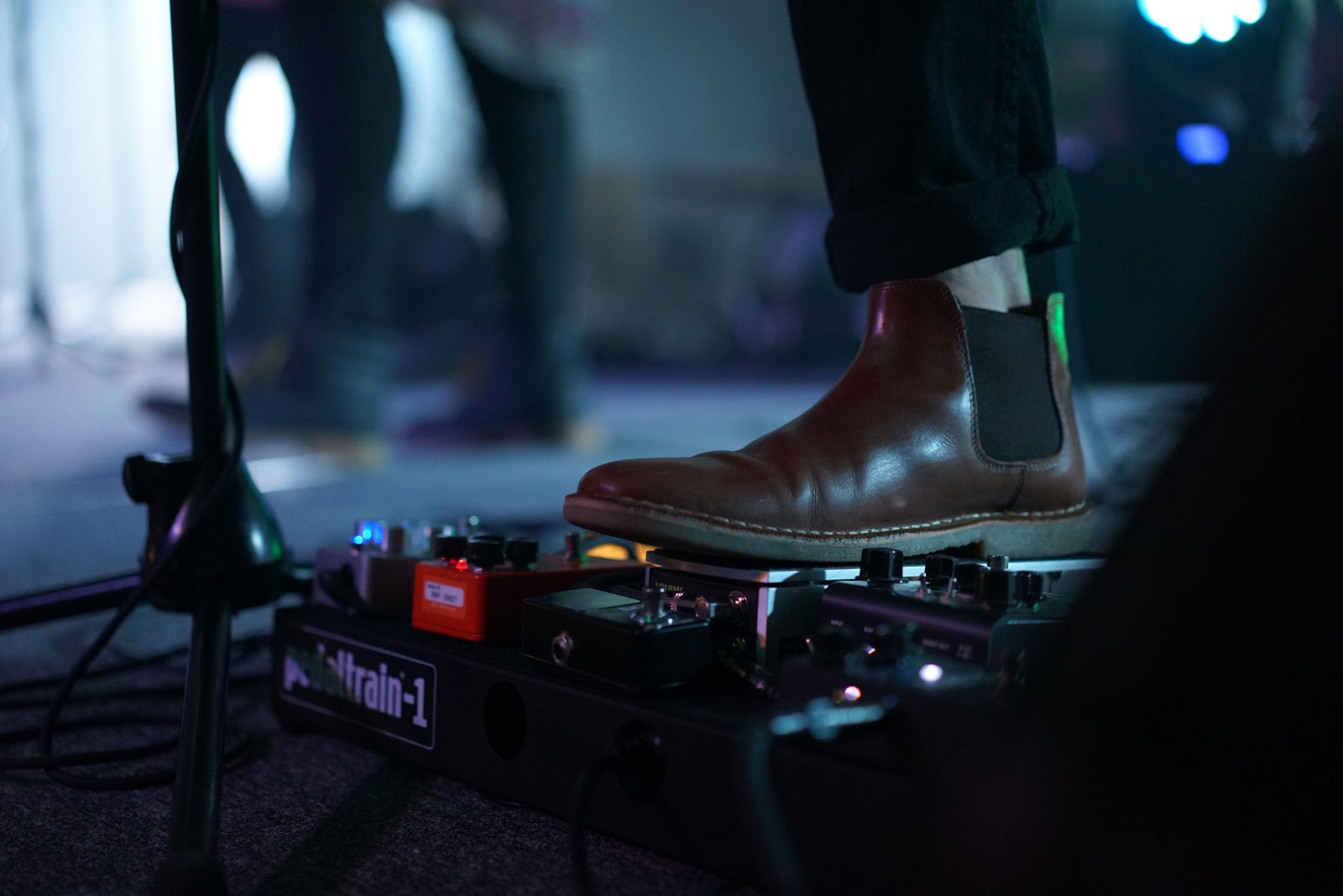 Guitar Effects | Buy These Top 10 Guitar Accessories To Play Like A Boss