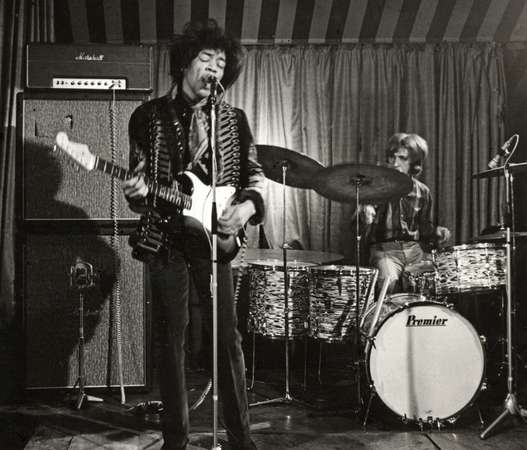Jimi Hendrix | The 10 Most Badass, Best Guitar Players Throughout History