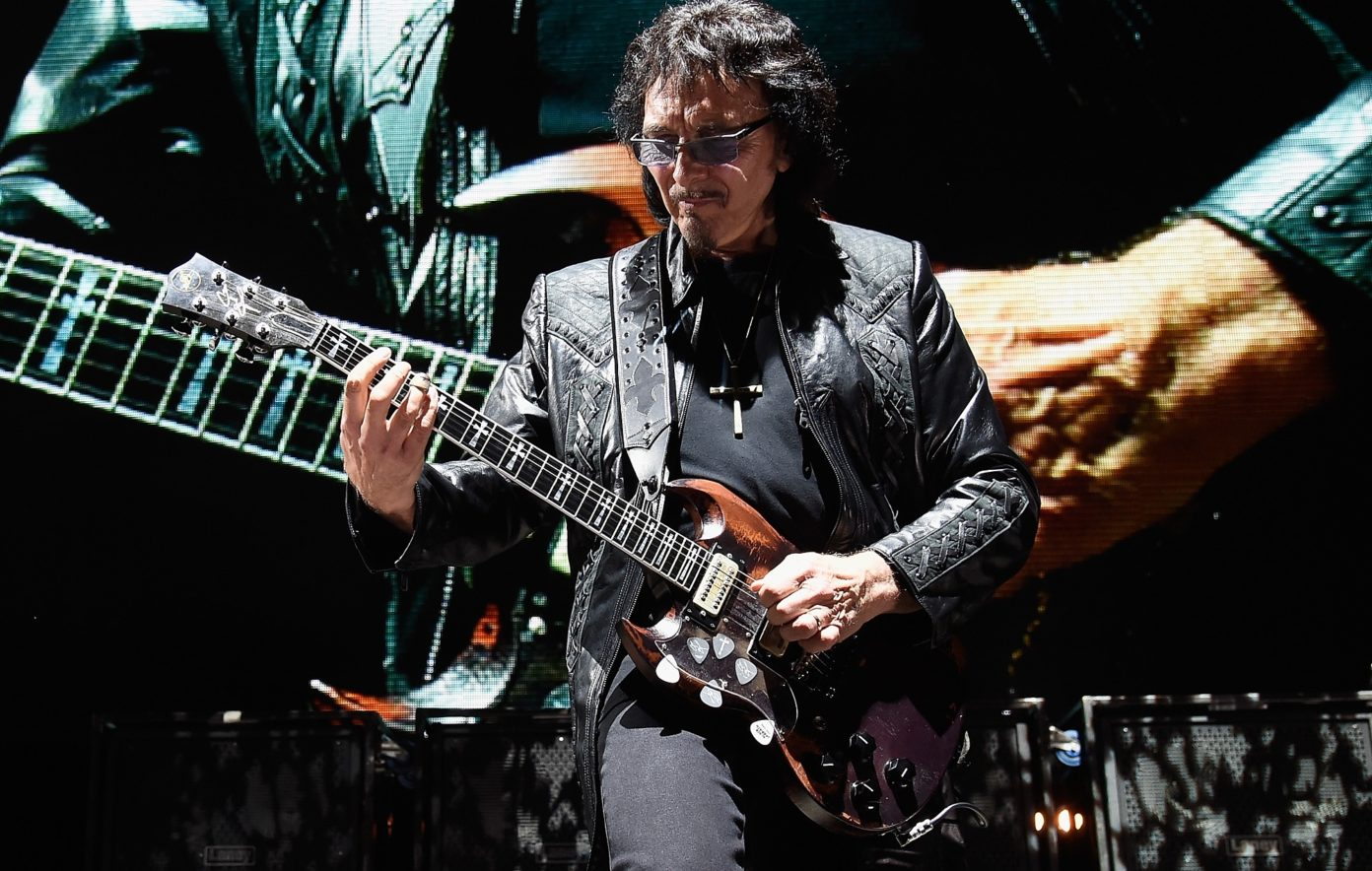Tony Iommi | 21 Of The Most Badass, Best Guitar Players Throughout History