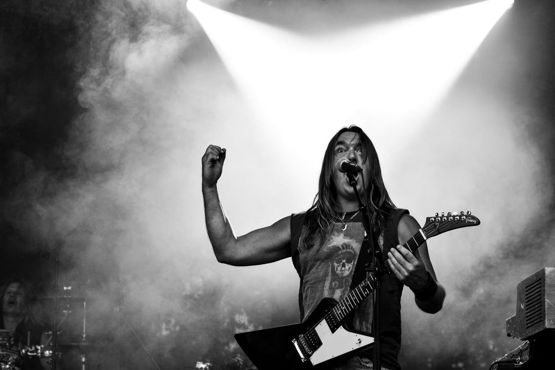 Guitar Player | The 10 Most Badass, Best Guitar Players Throughout History
