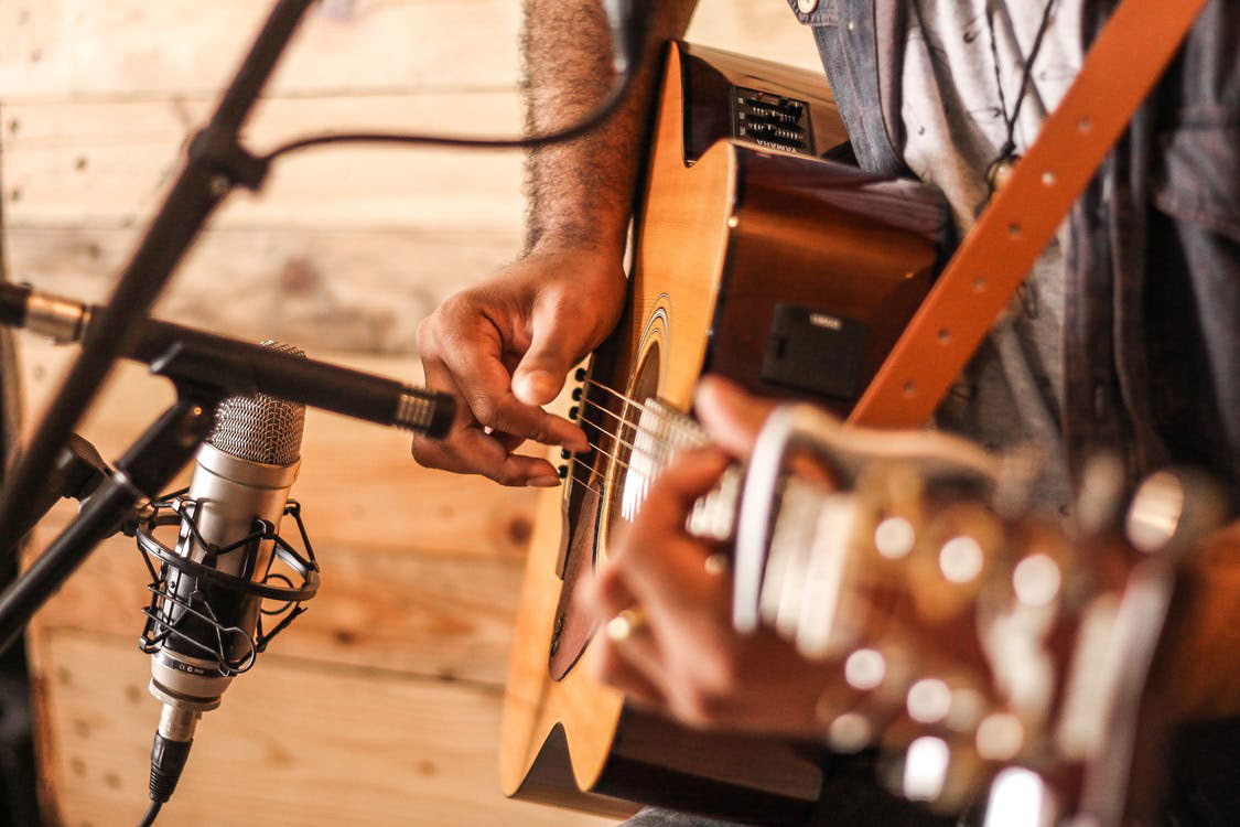 Playing Guitar | The Top 10 Life Benefits Of Learning Guitar