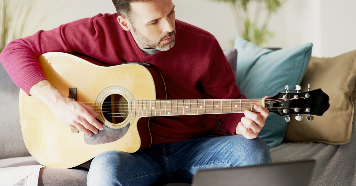 Learn to play guitar with the best online lessons out there!